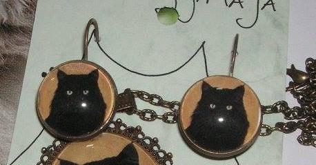 Musta Kassi Kõrvarõngad